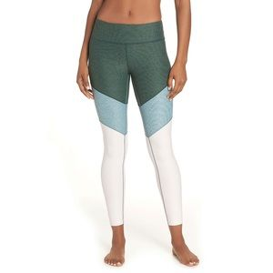 Outdoor Voices size XS spring leggings!